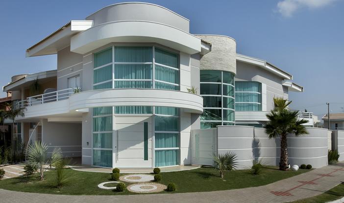 Casa das guas residencial galeria da arquitetura for Casa classica moderna