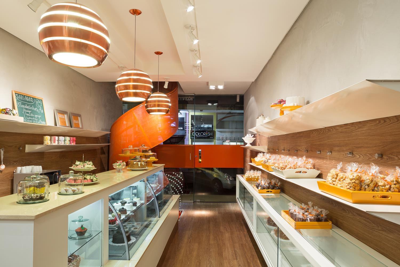 Lale caf e doceria galeria da arquitetura for Modelos de mesas para cafeteria
